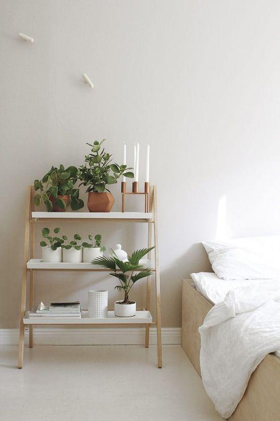 Phòng ngủ nổi bật cho nhà phố hẹp nhờ biến tấu cổ điển và cây xanh - ảnh 7
