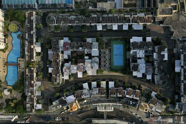 Ngỡ ngàng ngôi làng toàn biệt thự chục tỷ xây trên nóc tòa nhà cao tầng - ảnh 4