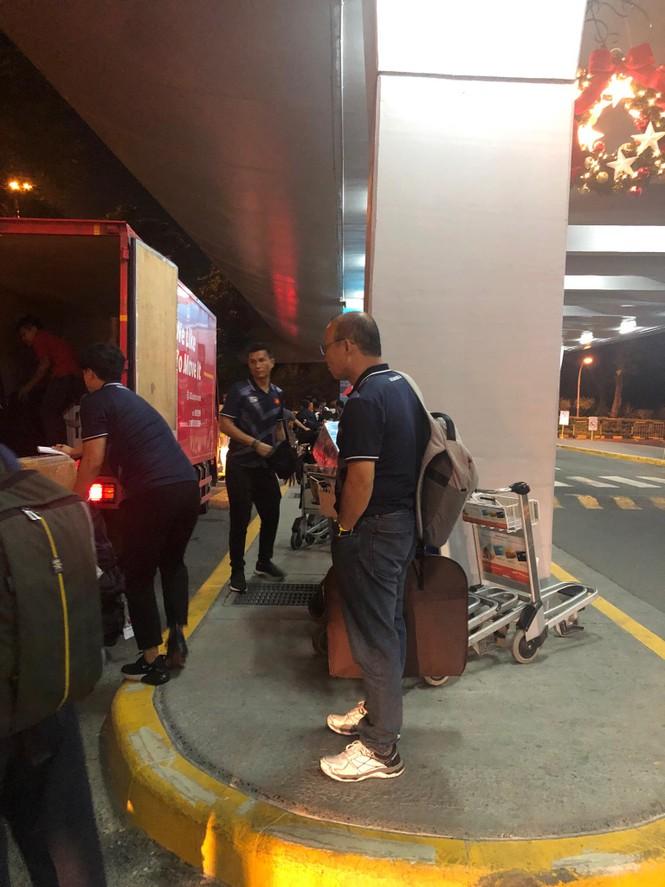 U22 Việt Nam tới Manila, sẵn sàng tranh HCV SEA Games 30 - ảnh 1