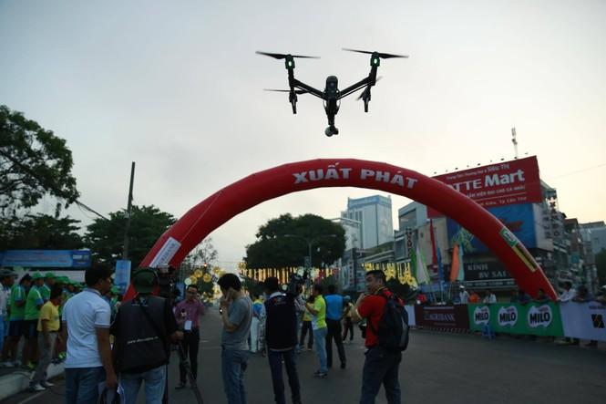 Dùng flycam tác nghiệp tại Việt dã Tiền Phong 2016 - ảnh 2