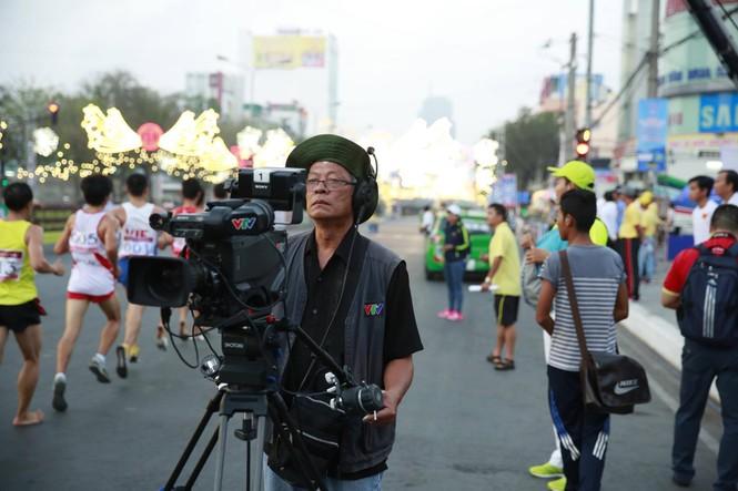 Dùng flycam tác nghiệp tại Việt dã Tiền Phong 2016 - ảnh 1