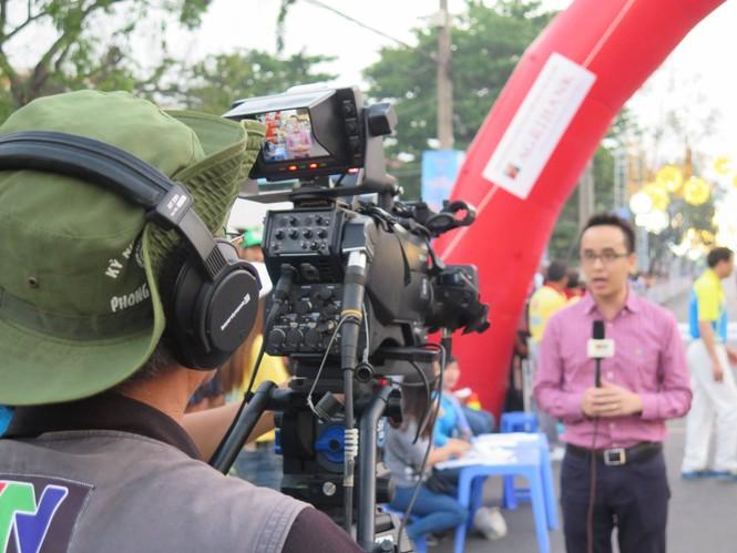 Dùng flycam tác nghiệp tại Việt dã Tiền Phong 2016 - ảnh 6