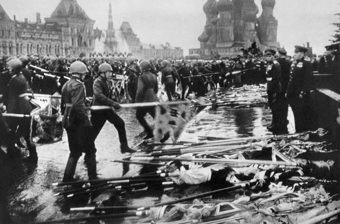 Hùng tráng lễ duyệt binh mừng Ngày Chiến thắng ở Nga - ảnh 7
