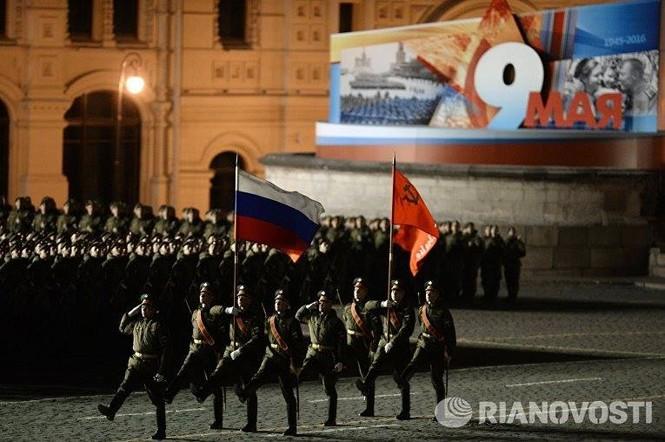 Hùng tráng lễ duyệt binh mừng Ngày Chiến thắng ở Nga - ảnh 10