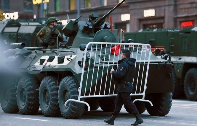 Hùng tráng lễ duyệt binh mừng Ngày Chiến thắng ở Nga - ảnh 15