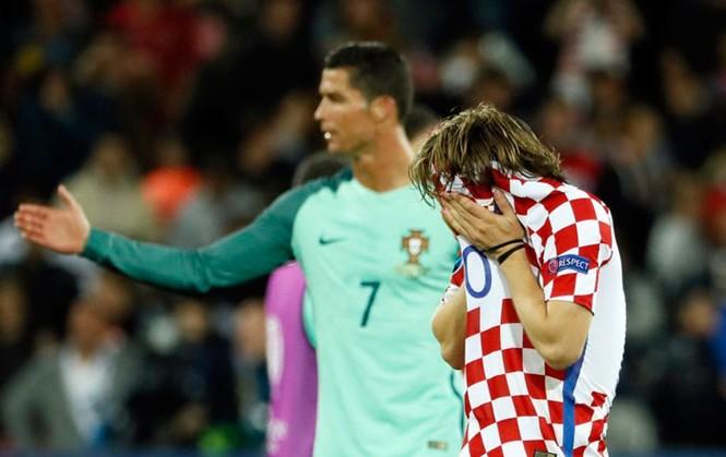 Modric khóc như mưa, Ronaldo dùng bờ vai an ủi - ảnh 2