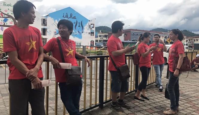 Văn Hậu tỏa sáng, U22 Việt Nam thắng '4 sao' trận đầu SEA Games - ảnh 1