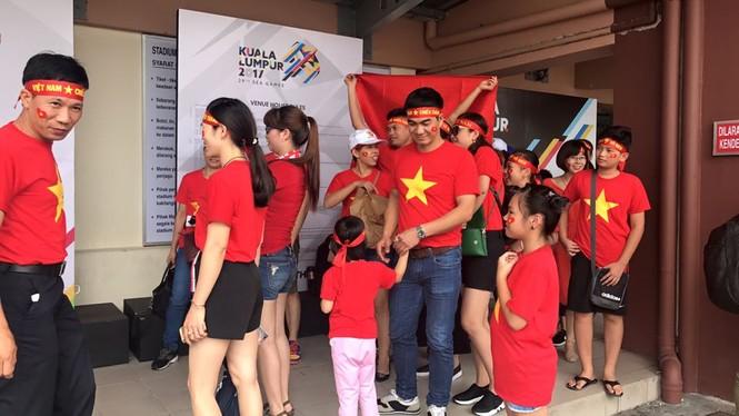 Văn Hậu tỏa sáng, U22 Việt Nam thắng '4 sao' trận đầu SEA Games - ảnh 2