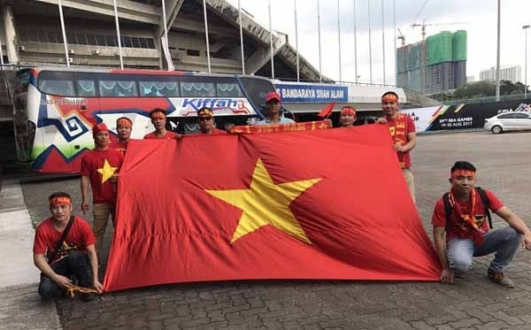 Công Phượng lập cú đúp, U22 Việt Nam đánh bại Campuchia - ảnh 1