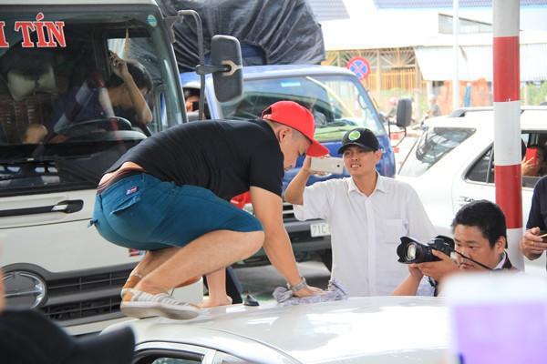 Phản ứng BOT Cai Lậy, tài xế dùng 'chiêu'... rửa xe - ảnh 2