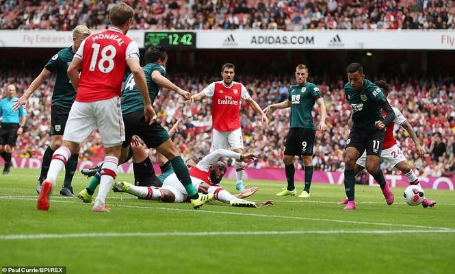 Kết quả vòng 2 Ngoại hạng Anh: Arsenal, Liverpool toàn thắng - ảnh 1