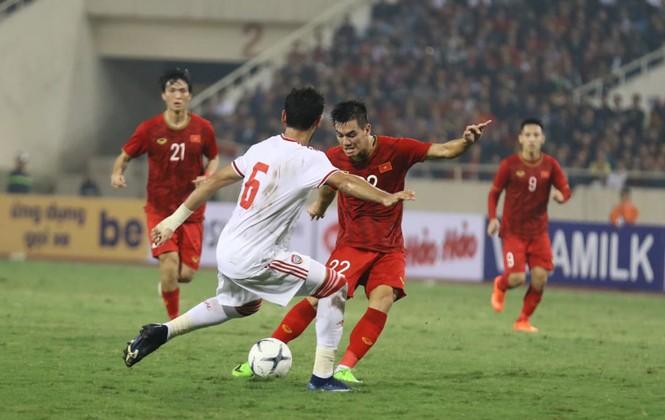 Đánh bại UAE, tuyển Việt Nam lên đầu bảng - ảnh 26