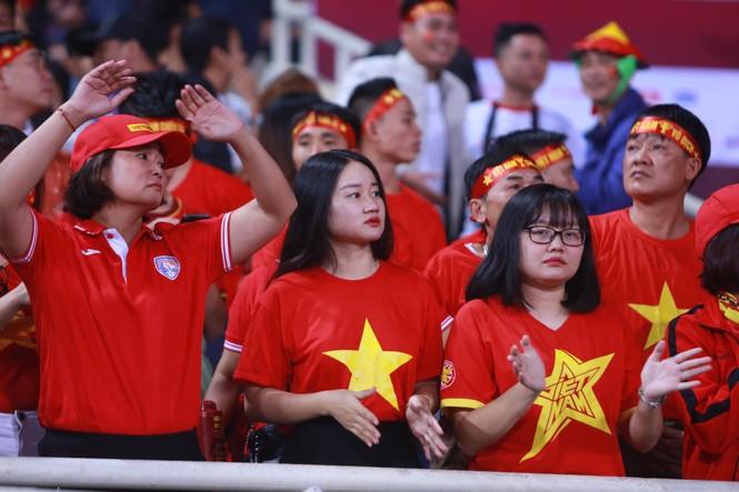 Đánh bại UAE, tuyển Việt Nam lên đầu bảng - ảnh 12
