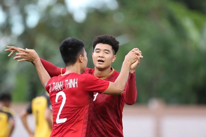 Đức Chinh 'nổ súng' tưng bừng, U22 Việt Nam dội mưa gôn vào lưới Brunei - ảnh 11