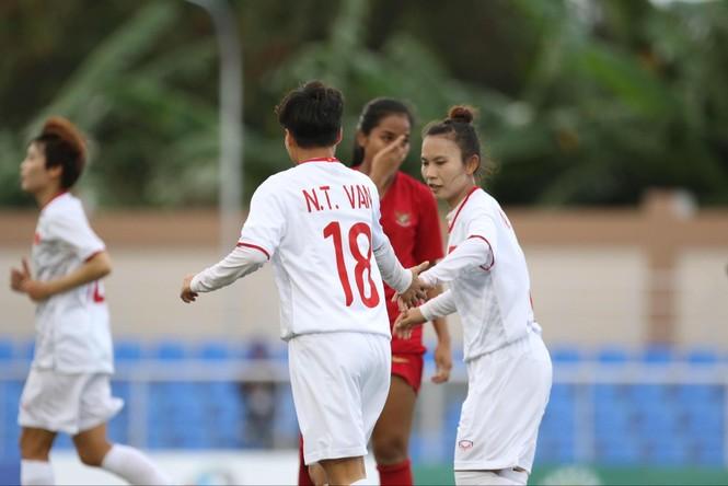 Thắng Indonesia 6-0, tuyển nữ Việt Nam vào bán kết SEA Games 30 - ảnh 5
