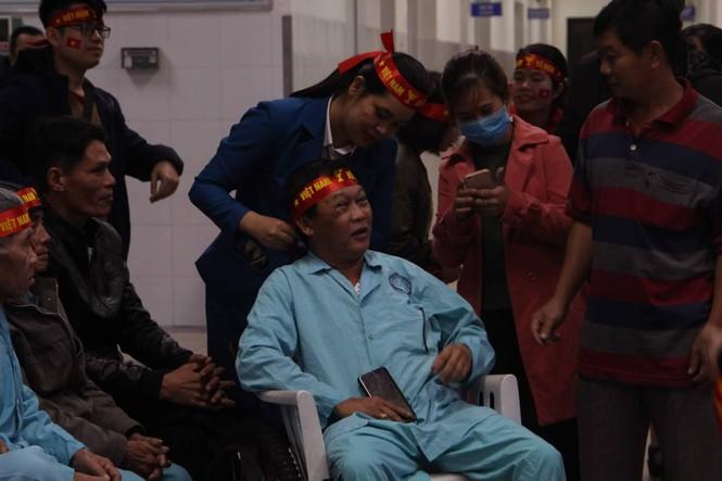 Triệu cổ động viên hò reo ăn mừng U22 Việt Nam vô địch SEA Games 30 - ảnh 38