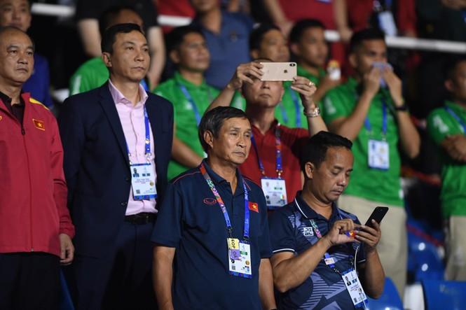Triệu cổ động viên hò reo ăn mừng U22 Việt Nam vô địch SEA Games 30 - ảnh 36
