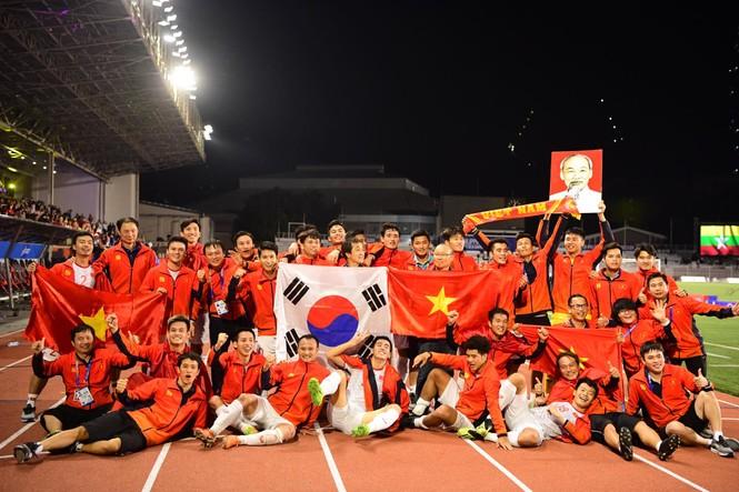 U22 Việt Nam vô địch SEA Games: Xứng danh quân vương - ảnh 3