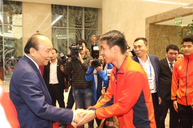 Hai đội tuyển bóng đá dự lễ mừng công của Thủ tướng - ảnh 2