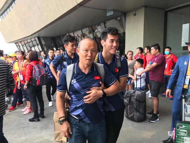Các nhà vô địch SEA Games về đến Hà Nội - ảnh 62