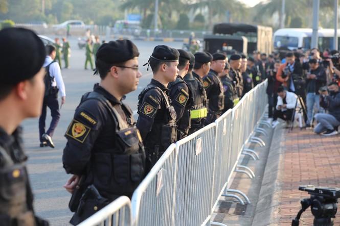 Các nhà vô địch SEA Games về đến Hà Nội - ảnh 40