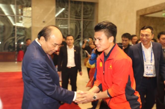 Hai đội tuyển bóng đá dự lễ mừng công của Thủ tướng - ảnh 3