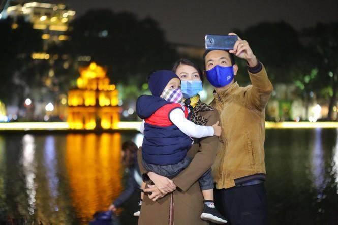 Cả nước chính thức bước sang năm mới Tân Sửu 2021 - ảnh 14