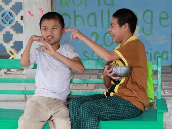 Trẻ chùa Bồ Đề quây quần trong ngôi nhà mới - ảnh 9