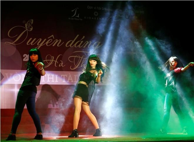 Nữ sinh Hà Thành 'đốt cháy' sân khấu  - ảnh 1