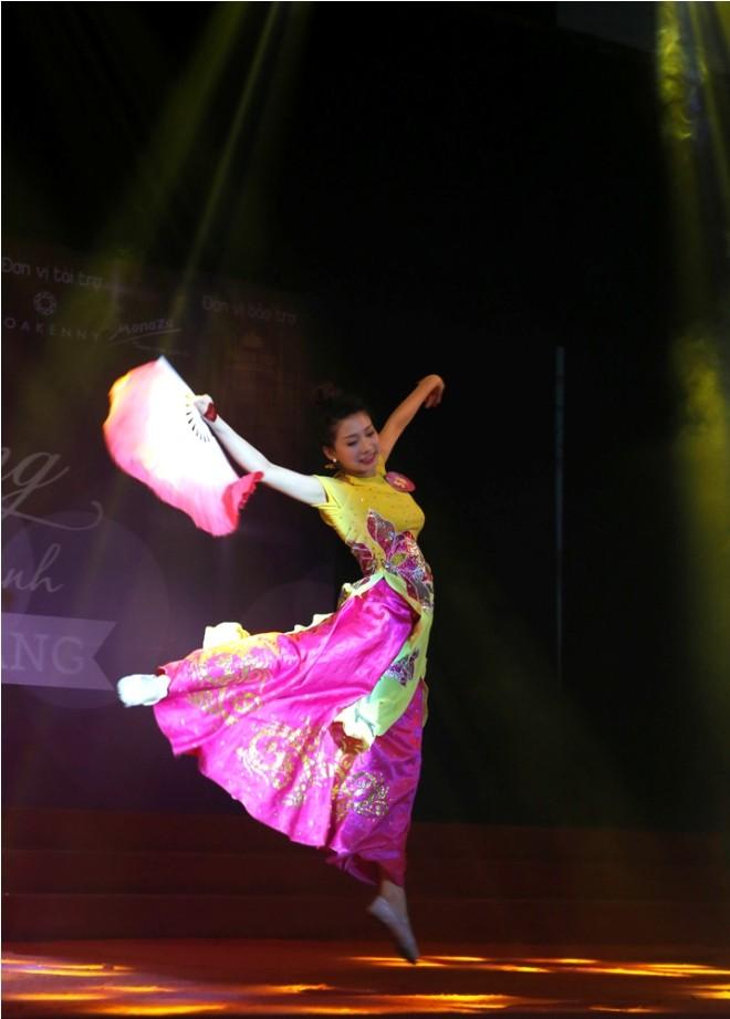 Nữ sinh Hà Thành 'đốt cháy' sân khấu  - ảnh 7