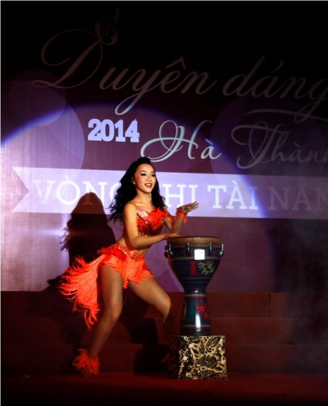 Nữ sinh Hà Thành 'đốt cháy' sân khấu  - ảnh 10
