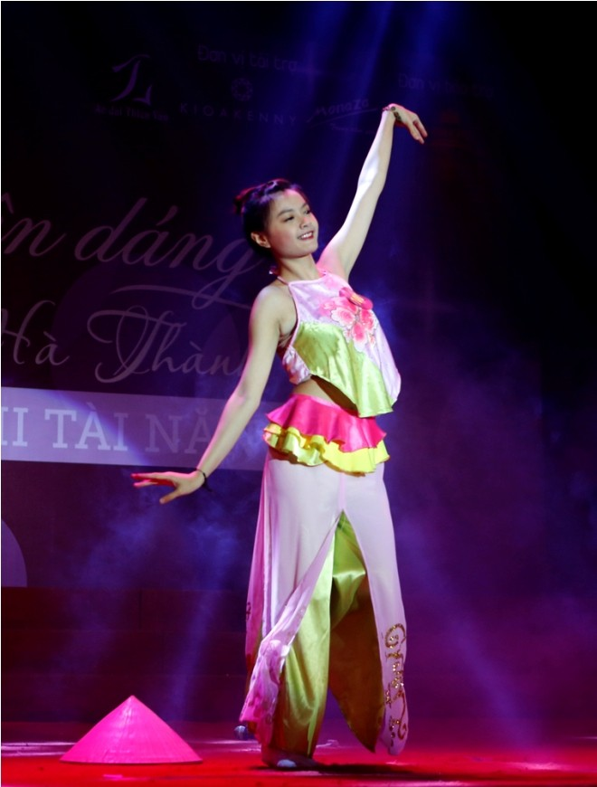 Nữ sinh Hà Thành 'đốt cháy' sân khấu  - ảnh 16
