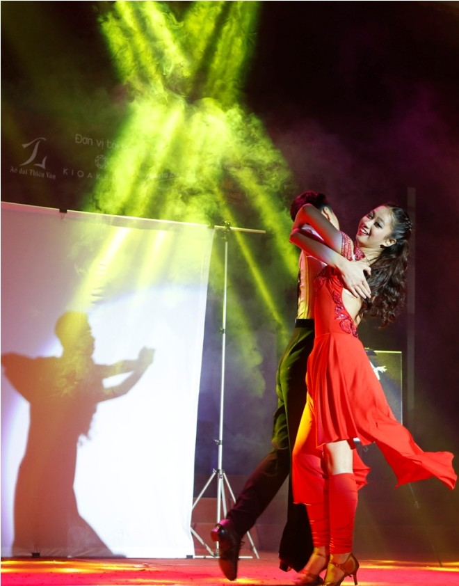 Nữ sinh Hà Thành 'đốt cháy' sân khấu  - ảnh 17