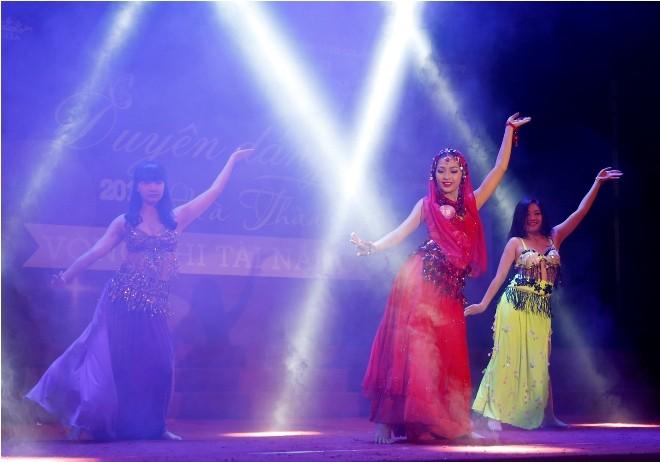 Nữ sinh Hà Thành 'đốt cháy' sân khấu  - ảnh 19
