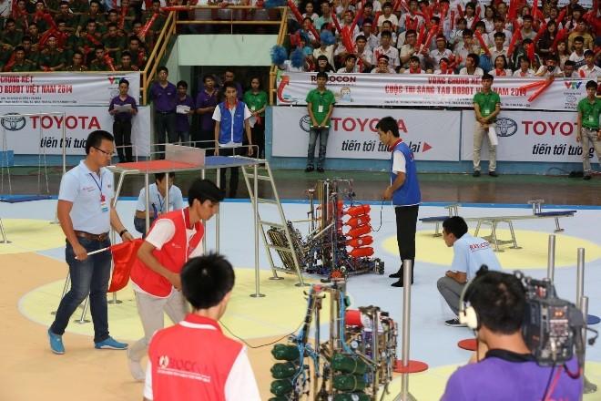 LH-NVN sẽ đại diện Việt Nam tranh tài Robocon Quốc tế  - ảnh 1
