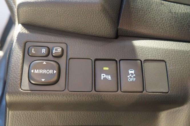 Cận cảnh Toyota Corolla Altis 2.0V đời 2014 - ảnh 16