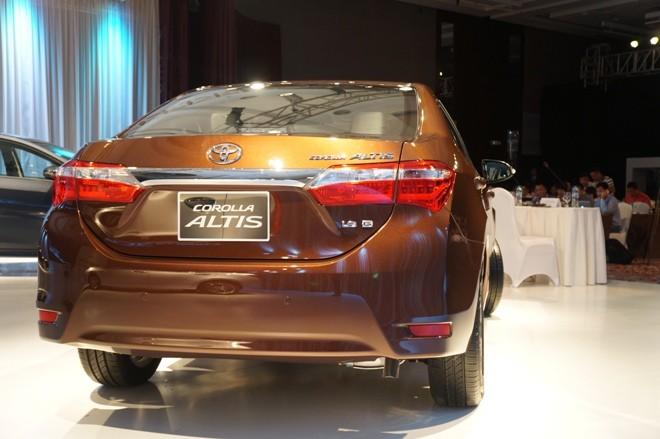 Lộ 3 mức giá của Toyota Corolla Altis 2014 ở Việt Nam - ảnh 3