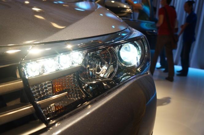 Cận cảnh Toyota Corolla Altis 2.0V đời 2014 - ảnh 5