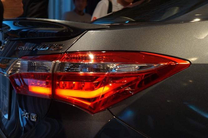 Cận cảnh Toyota Corolla Altis 2.0V đời 2014 - ảnh 6