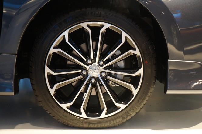 Cận cảnh Toyota Corolla Altis 2.0V đời 2014 - ảnh 8