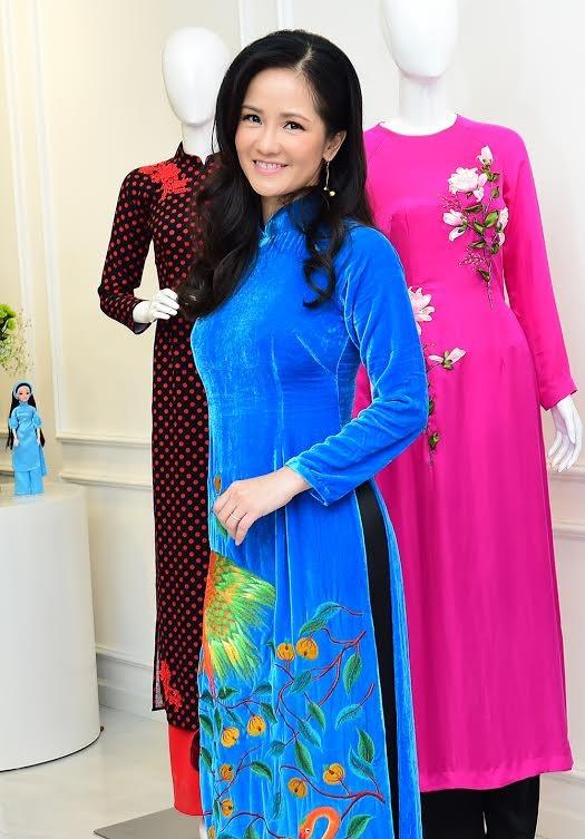 Ca sĩ Hồng Nhung, Đoan Trang diện áo dài đọ dáng cùng mỹ nhân Việt - ảnh 7