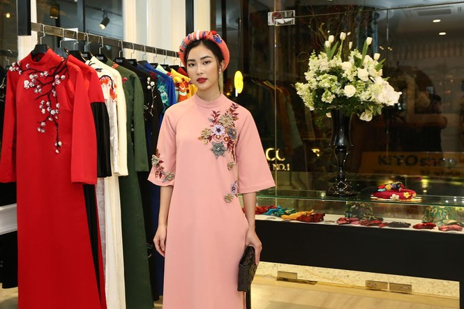 Ca sĩ Hồng Nhung, Đoan Trang diện áo dài đọ dáng cùng mỹ nhân Việt - ảnh 8