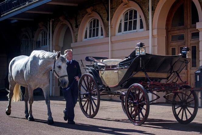 Ngắm xe ngựa cổ rước Meghan Markle - Hoàng tử Anh tới lễ đường - ảnh 1