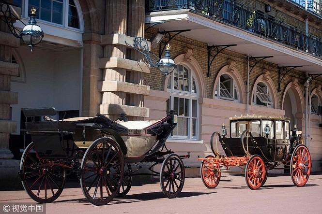Ngắm xe ngựa cổ rước Meghan Markle - Hoàng tử Anh tới lễ đường - ảnh 2