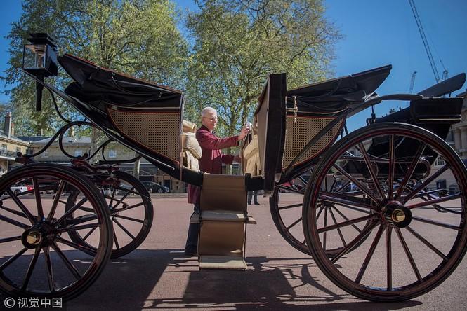 Ngắm xe ngựa cổ rước Meghan Markle - Hoàng tử Anh tới lễ đường - ảnh 4