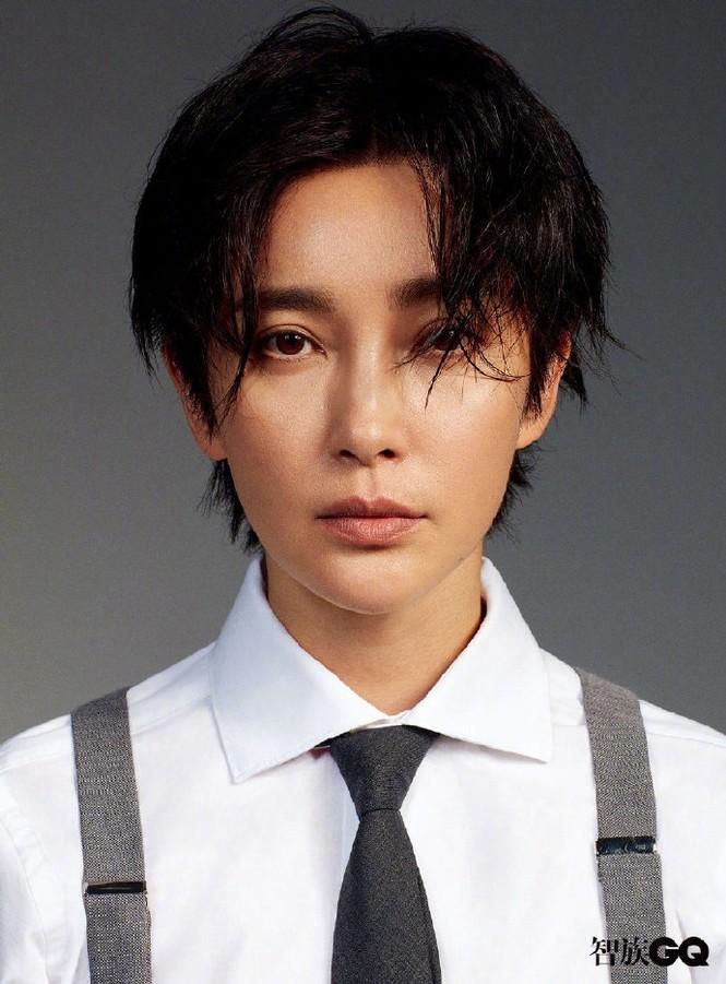 Lý Băng Băng cắt tóc ngắn, mặc vest đầy nam tính trên tạp chí gây sốc - ảnh 8