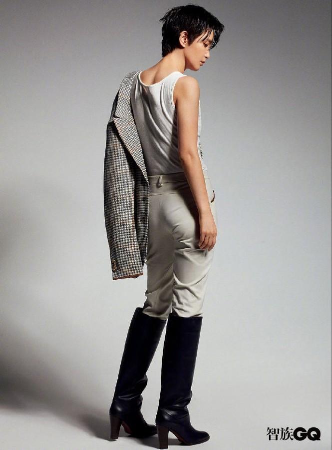 Lý Băng Băng cắt tóc ngắn, mặc vest đầy nam tính trên tạp chí gây sốc - ảnh 9