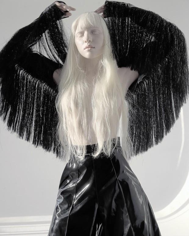 Vẻ thoát tục tựa 'công chúa tuyết' của người mẫu bạch tạng đẹp nhất thế giới - ảnh 8