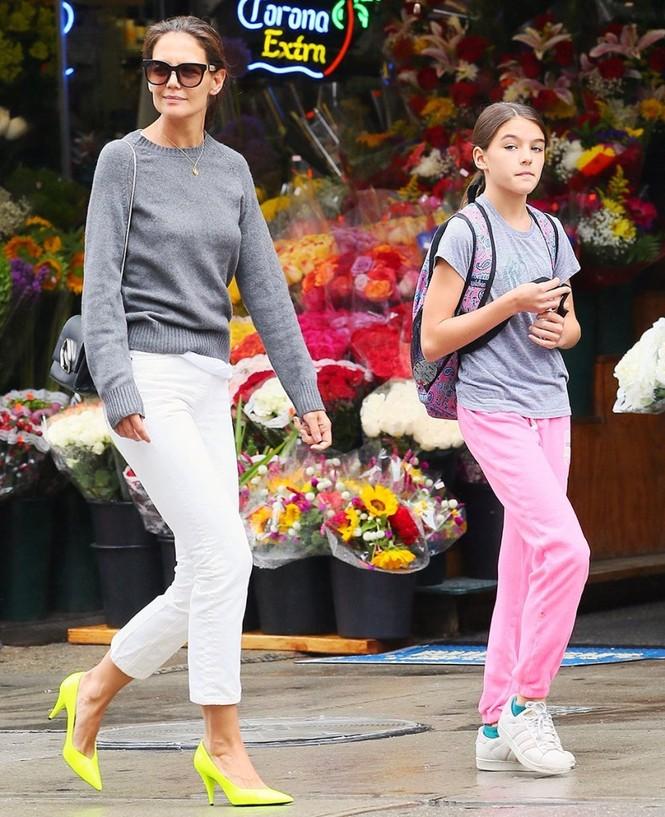 Katie Holmes trải lòng về cuộc sống làm mẹ đơn thân hậu ly hôn Tom Cruise - ảnh 3