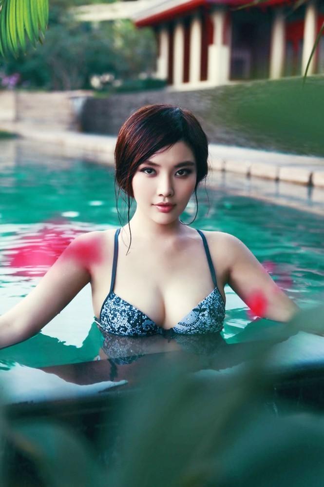 Vào viện thẩm mỹ cắt u, 'đệ nhất ngực đẹp Trung Quốc' nguy kịch - ảnh 4